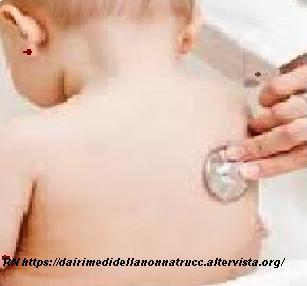 Neonati, la prima visita del pediatra