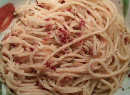Spaghetti con pomodori secchi sott'olio